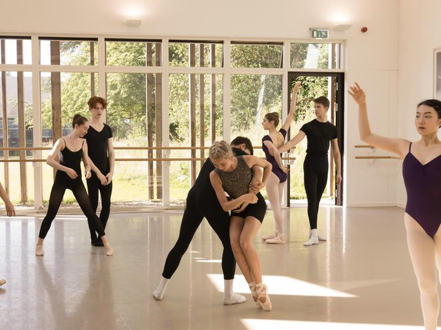 Tring Park School for the Performing Arts sets dates for autumn open days