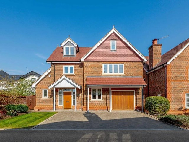 This five-room detached house in Townsend Gate, Berkhamsted, is just meters away is the Grand Union Canal