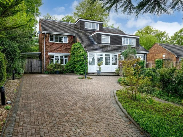 This Hemel Hempstead home with its own swimming pool is on the market for £1,295,000