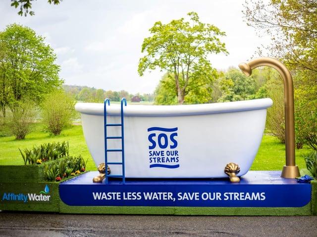 Giant bathtub will be on display in Hemel Hempstead